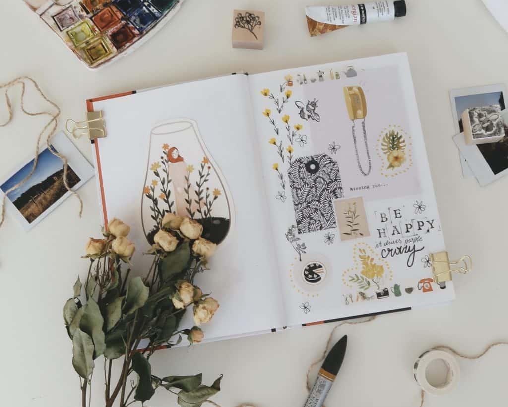 Cuaderno con hojas en blanco decorado bonito
